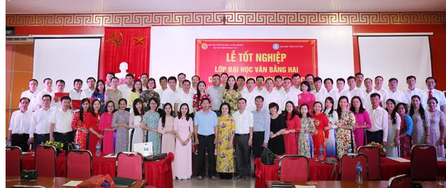 Học viện Chính trị Khu vực I trao Bằng tốt nghiệp cho 93 học viên